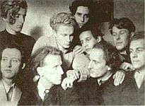 "JÜDISCHE VERDERBER: ""Back row (left to right): Vincent Weyand, Peter Goldschmidt Middle row: Reinout van Rossum du Chattel, Manuel Goldschmidt, Chris Dekker Front row: Friedrich W. Buri, Wolfgang Frommel, Percy Gothein, Guido Teunissen (Source: www.castrumperegrini.nl and Peter Elzinga)""."