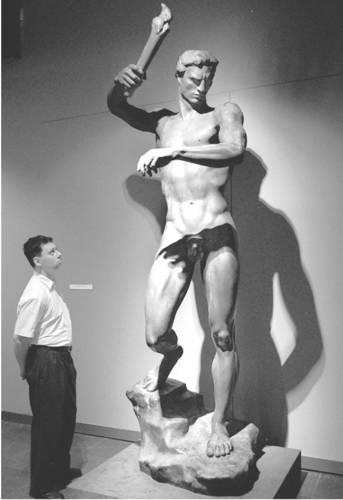 Prometeus, von Arno Breker. Das Standbild wurde am 1996 im Deutschen Historischen Museum in Berlin zu sehen.