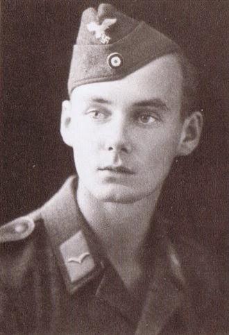 Karlheinz Deschner. Luftwaffe, 1942, als Er noch ein Held war.