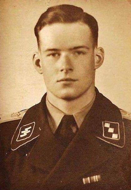 Waffen SS Herr Rudolf Con Ribbentrop, hijo del Ministro de Asuntos Exteriores del Reich.