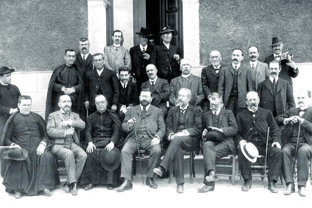 Vázquez de Mella en Dos Hermanas (Sevilla) en 1906.